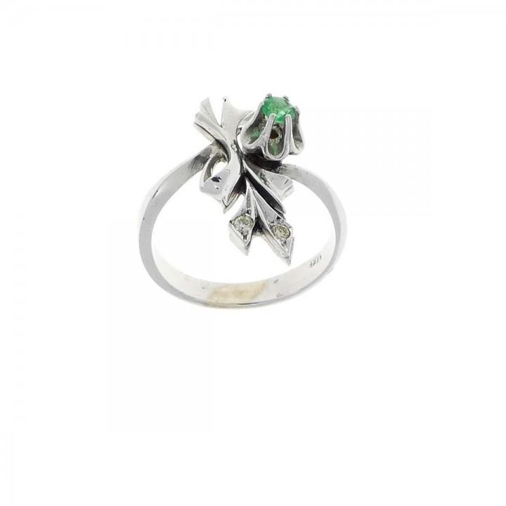 Кольцо для обручения, белое золото с бриллиантами и изумрудом, вес 3,5 грамма