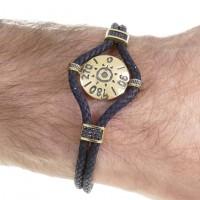Золотой браслет, желтое золото, чёрная кожа, цирконий, длина 20,5 см