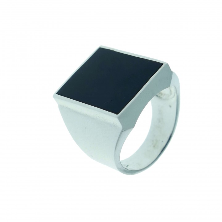 Ring for a man in 14K white gold with onyx
