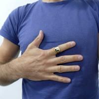 Кольцо для мужчины, желтое золото 14 карат с фианитом и эмалью