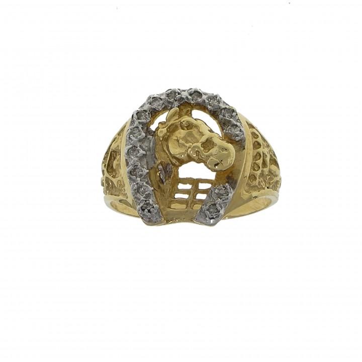 Перстень для мужчины с бриллиантами
