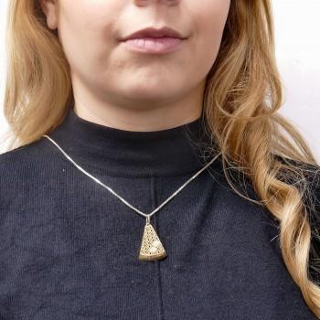 Женский кулон - треугольник, желтое золото 14 карат с цирконием