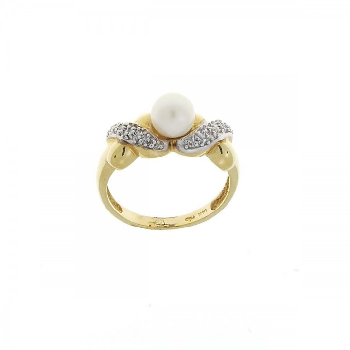 Engagement ring, yellow gold with diamond and pearl