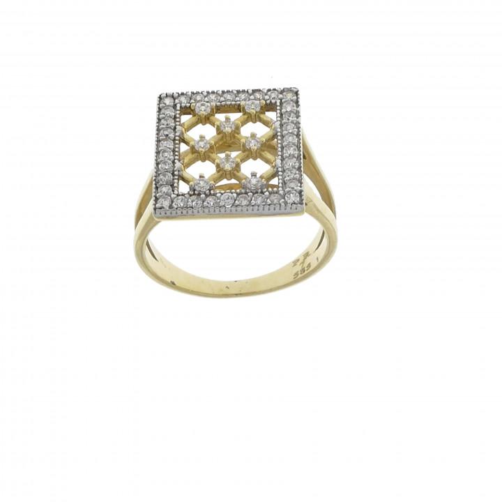 Квадратное золотое кольцо с цирконием