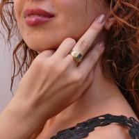 Кольцо для женщины, голубой топаз, желтое золото 14 карат