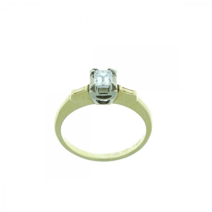 Кольцо для женщины, желтое золото с бриллиантами