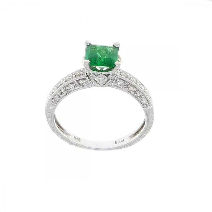 טבעת לנשים, זהב לבן 14 קראט עם יהלומים אמרלד