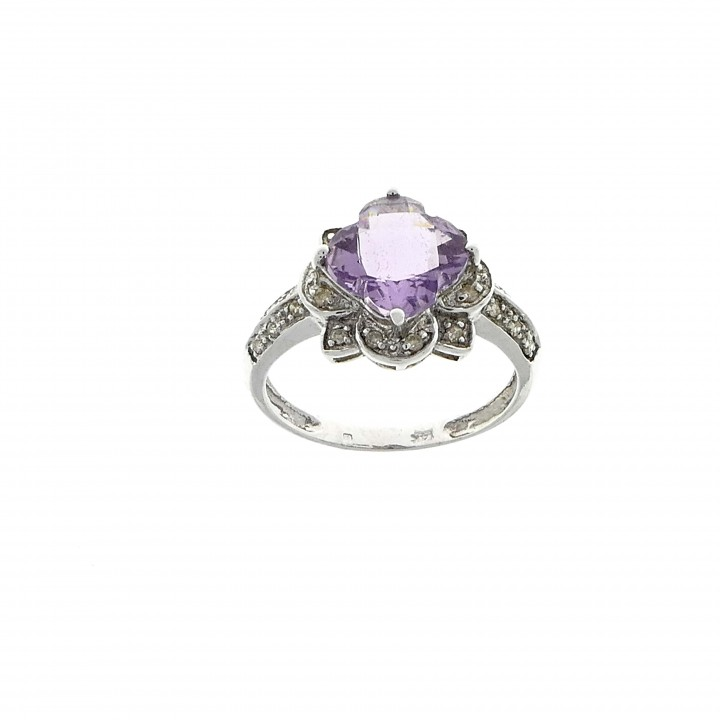 Ring for a woman, 14K white gold, diamonds and amethyst