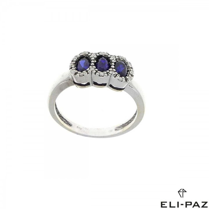 Ring for women, white gold with diamonds and sapphires
