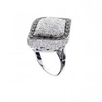 טבעת לאישה עם יהלומים לבנים ושחורים, זהב לבן