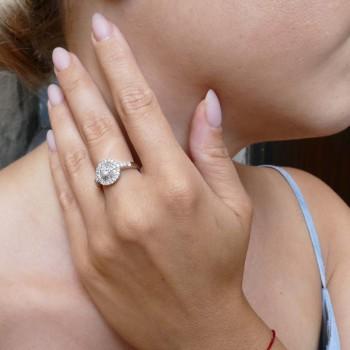 Кольцо для женщины с белыми бриллиантами, белое золото 18 карат